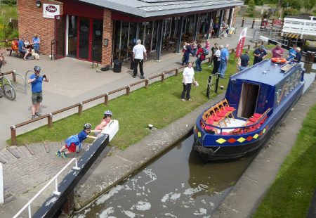 chesterfield canal green flag