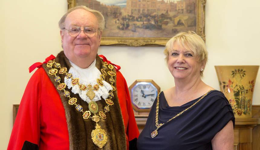 Cllr Gordon Simmons (mayor), Cllr Kate Caulfield (mayoress)